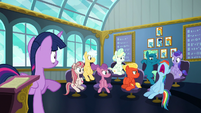 Rainbow Dash sleeps during Twilight's lesson S6E24