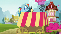 Rainbow waves at Pinkie S5E19
