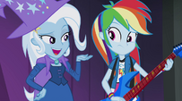 Trixie taunting Rainbow Dash EG2