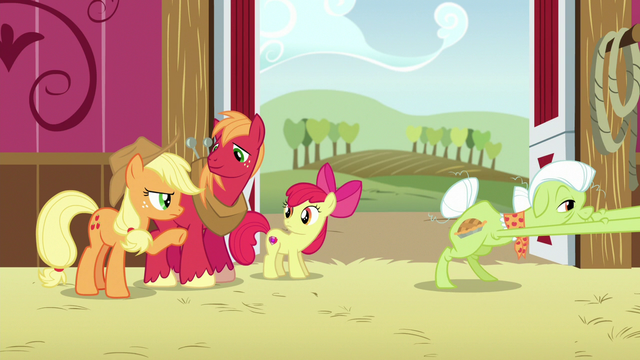 File:Granny Smith reaches for a rocking chair S6E23.png