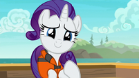 Rarity touched by her friends' thoughtfulness S6E22