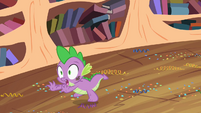 Spike fleeing S2E10