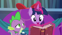 """Twilight """"Snowfall was all set to cast her spell"""" S06E08"""