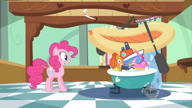 File:Pinkie Pie bathing the babies S2E13.png