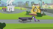 Rarity pushing grand piano EG2