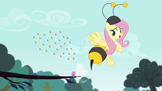 File:Fluttershy dressed as a bee S4E16.png