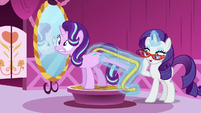 Rarity measuring Starlight's hoof S6E6