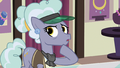 Jeweler Pony denies seeing the Cutie Map S7E2.png