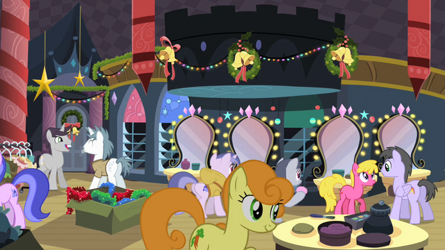 File:Ponies backstage after the pageant S2E11.png