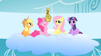 Pinkie waves foam finger at beginning of competition S1E16