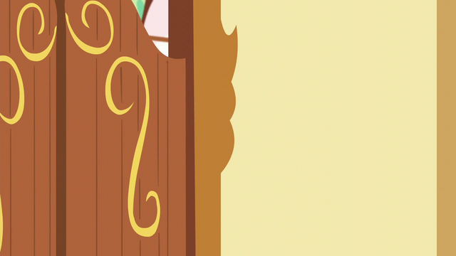 File:Door closed S5E19.png