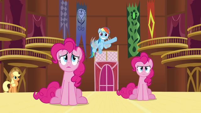 File:Rainbow 'Somepony's making balloon animals!' S3E3.png