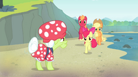 The Apple siblings come to Granny Smith S4E20