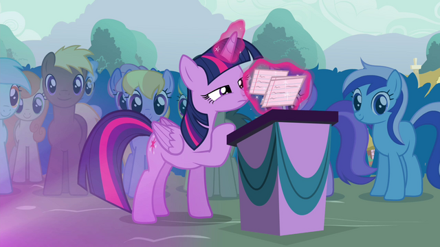 File:Twilight organizing her flash cards S4E16.png