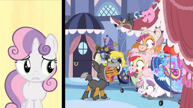 File:Babs in wolf costume scaring the CMC S3E04.png