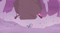 Maud and Pinkamena appear to demolish boulder S5E25