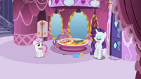 Rarity telling Sweetie Belle S2E05