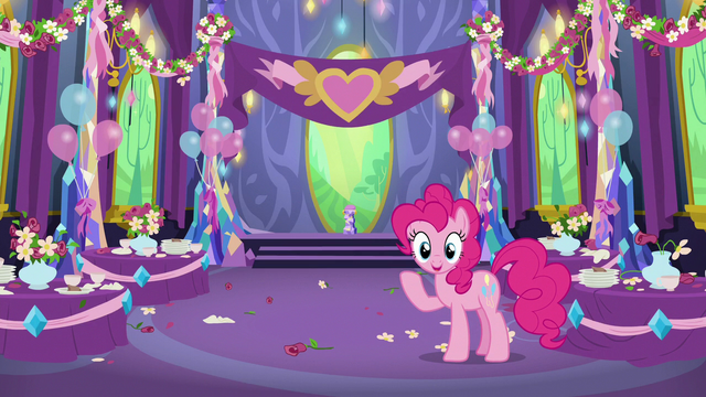 File:Pinkie Pie has an idea S7E1.png