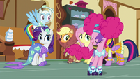 Pinkie Pie skates past her friends S5E21