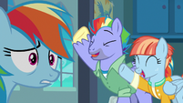 Rainbow Dash overwhelmed by her parents' support S7E7