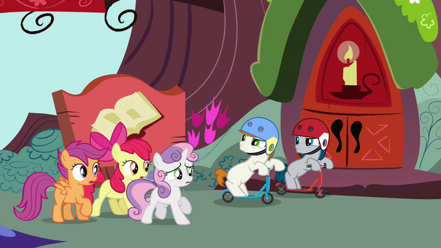 File:Scooter colts cut CMC off S4E15.png