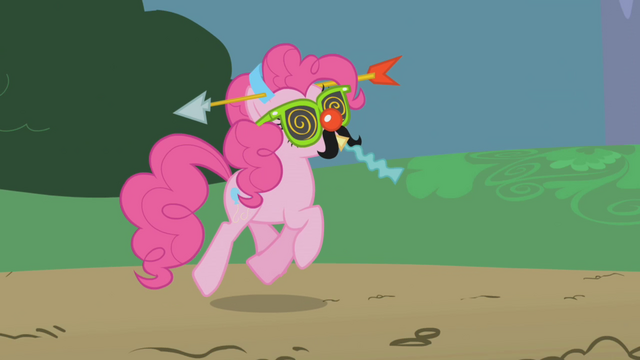 File:Pinkie Pie in a goofy disguise S1E05.png