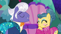 Gladmane flattering the trapeze star pony S6E20.png