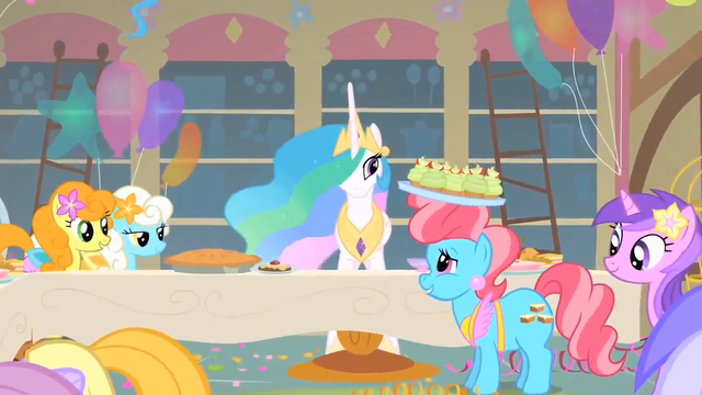 File:Mrs. Cake talks to Princess Celestia S1E22.png