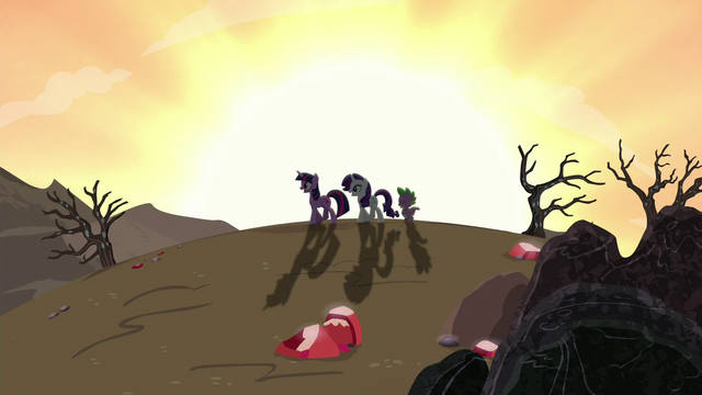 File:Twilight, Rarity, and Spike walking back home S6E5.png
