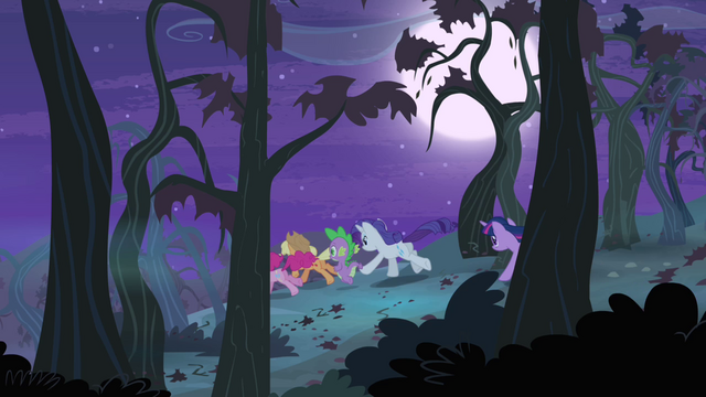 File:Ponies chase after Flutterbat S4E07.png