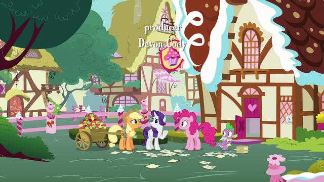File:AJ, Rarity, Pinkie, and Spike behind Sugarcube Corner S7E9.png