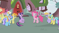 Pinkie clues the other ponies in S1E03