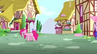Pinkie walking away S4E12