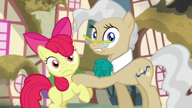 File:Apple Bloom and Mayor Mare hear twittermites S5E4.png