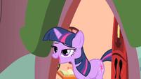 Twilight 'Oh hi, Pinkie Pie' S1E25