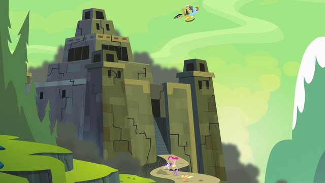 File:Ponies flee the fortress S4E04.png