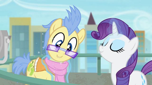 File:Rarity fastening the scarf S4E8.png