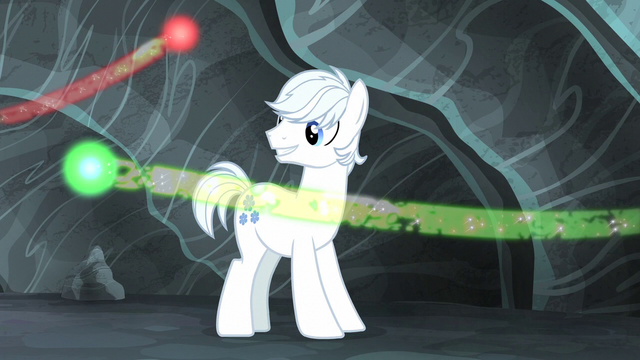 File:Double Diamond watches the cutie marks fly S5E2.png