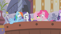 Main 5 looking for Applejack S1E09.png