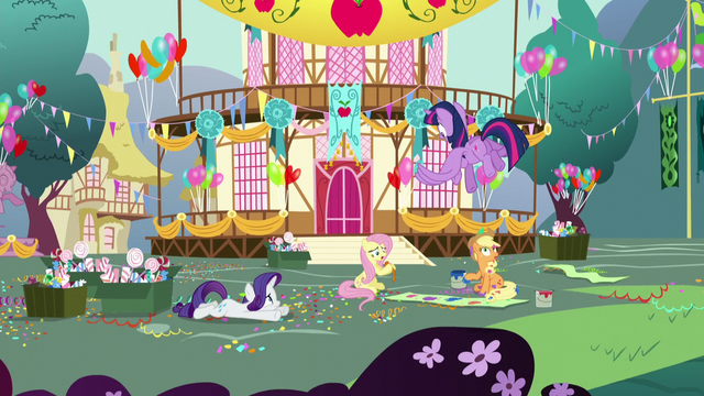 File:Twilight sees her friends trying to make a party S5E11.png