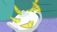 Discord's claw passes through the teapot S7E12