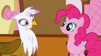 Gilda is freaked S1E5