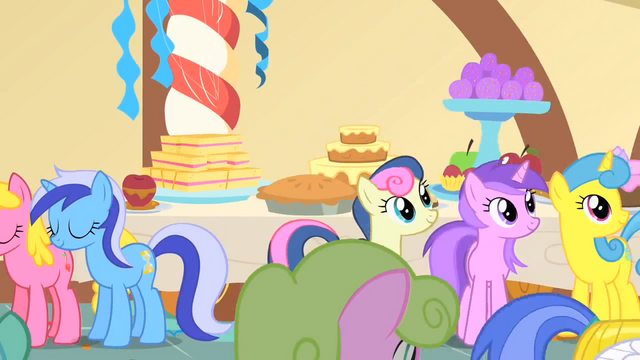 File:Ponies watch Princess Celestia leave the party S1E22.png