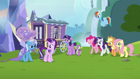 Twilight's friends arrive to see Starlight off S6E25