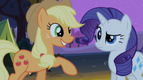 Applejack talks to Rarity S2E05