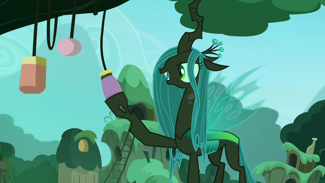File:Chrysalis touches a bottle S5E26.png