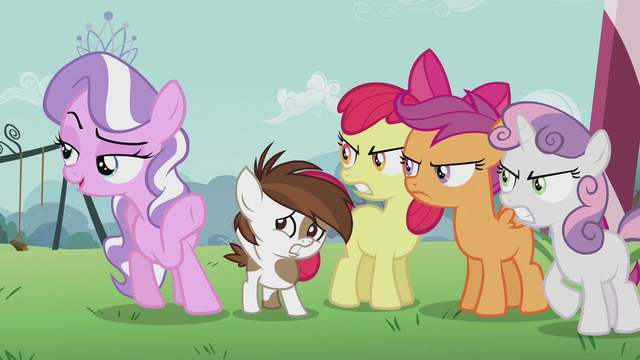 """File:Diamond sings """"Don't you think?"""" S5E18.png"""