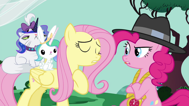File:Fluttershy and Pinkie arguing S4E21.png