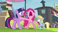 Pinkie Pie stops the trade S4E22