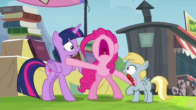 File:Pinkie Pie stops the trade S4E22.png
